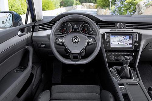 Volkswagen Passat 2015 đầu tiên đến tay khách hàng - 8