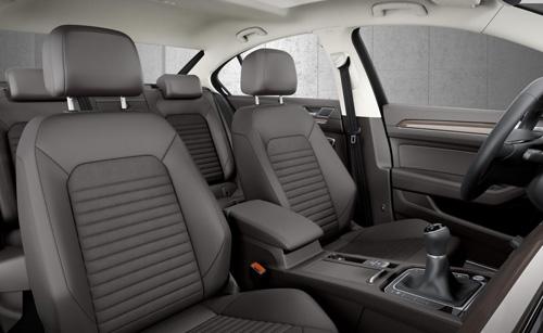 Volkswagen Passat 2015 đầu tiên đến tay khách hàng - 9
