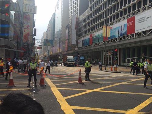 """Thủ lĩnh bị bắt, biểu tình Hong Kong """"chết yểu"""" - 5"""