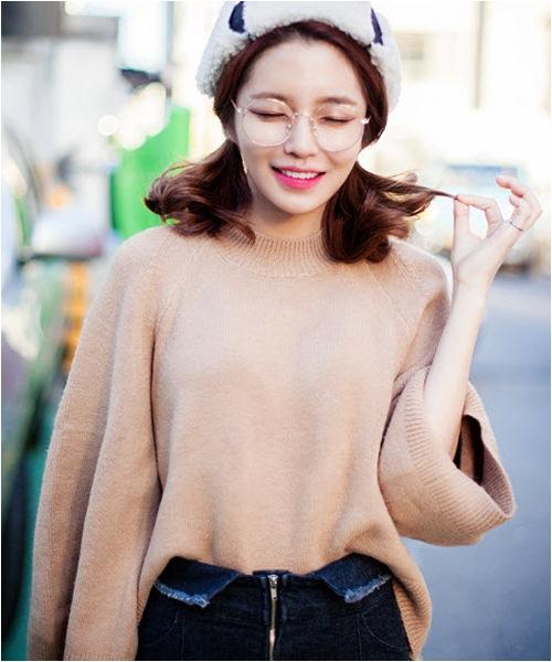 Mặc áo len đẹp và lạ cho ngày lạnh - 12