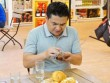 """Danh hài Anh Vũ được """"giải nguy"""" trong siêu thị"""