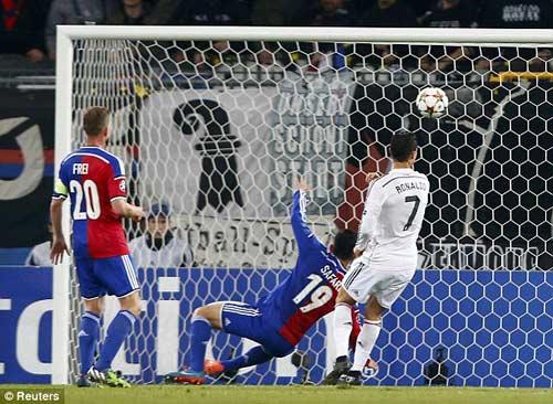 Basel – Real: Ronaldo đi vào lịch sử - 1