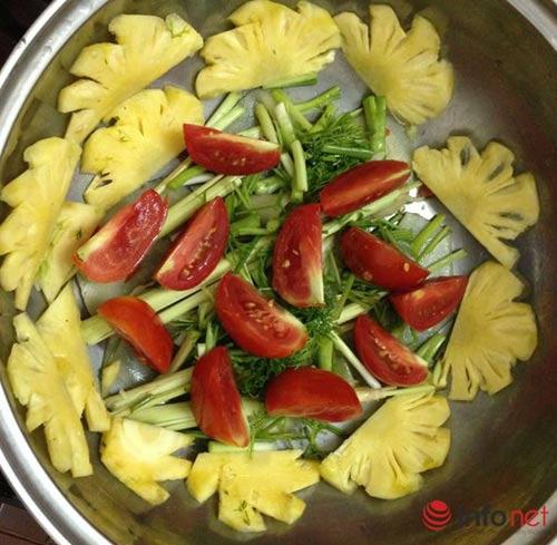 Cách làm món cá chép om dưa chua thanh, đậm đà - 2
