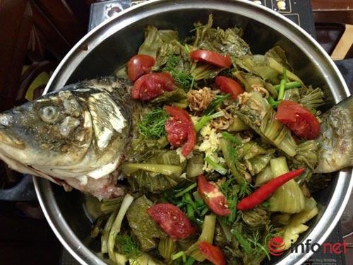 Cách làm món cá chép om dưa chua thanh, đậm đà - 4