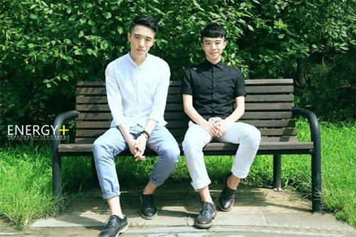 Nể phục sự nỗ lực của cặp hot boy song sinh TQ