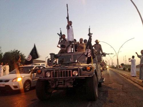 """""""Cây gậy và củ cà rốt"""" của phiến quân IS - 1"""