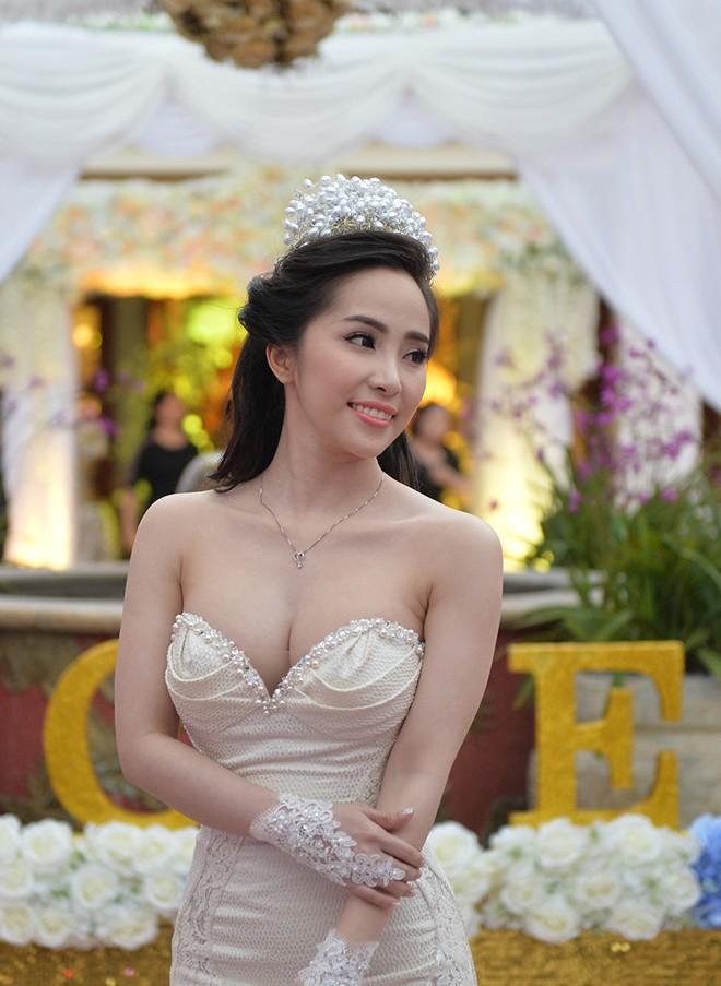 Những cô dâu đẹp nhất showbiz Việt 2014 - 5