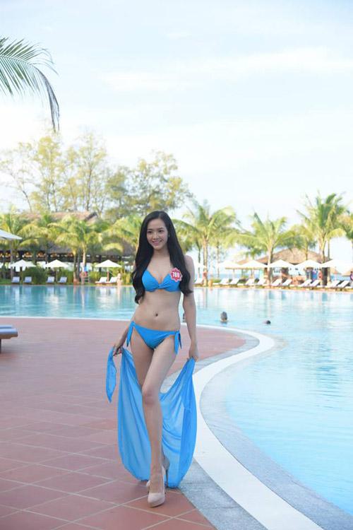 """Phú Quốc """"nóng rực"""" với dàn thí sinh HHVN mặc bikini - 11"""