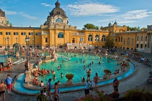 Thư giãn tại hồ nước nóng lớn nhất Hungary - 6