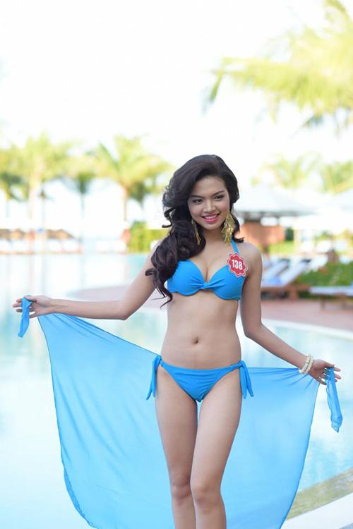 11 khuôn ngực quyến rũ nhất vòng chung kết Hoa hậu VN - 11
