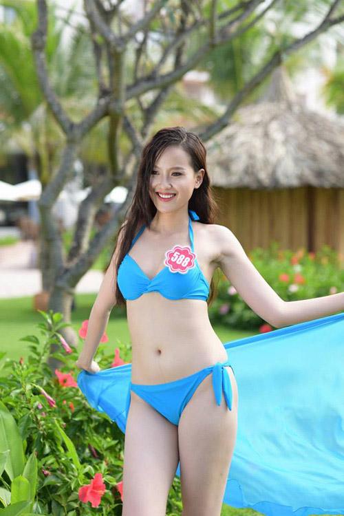 11 khuôn ngực quyến rũ nhất vòng chung kết Hoa hậu VN - 4