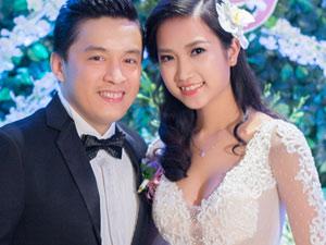 3 điều đặc biệt về 5 chiếc váy cưới của vợ Lam Trường