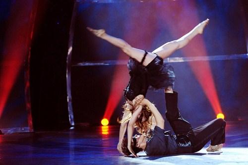 Tình yêu của cặp vũ công thăng hoa trên sân khấu nhảy múa - 4