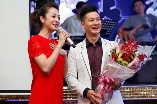Jennifer Phạm rạng rỡ chúc mừng Đức Tuấn - 3