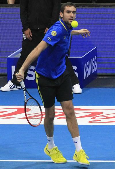 Sharapova vẫn tươi cười dù đội nhà liên tiếp thất bại - 3