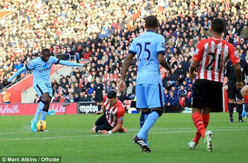 Southampton - Man City: Chìa khóa sút xa - 1