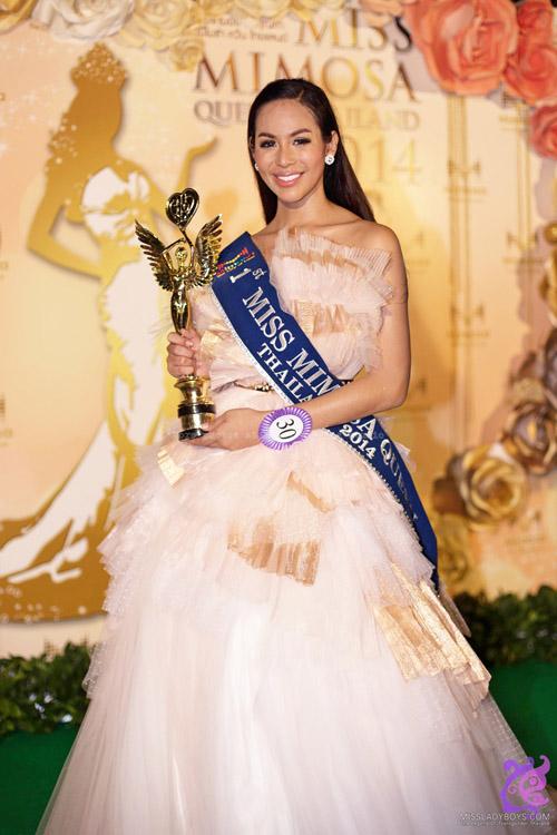 Hoa hậu Hong Kong ghi điểm với cảnh quay bị xâm hại - 6