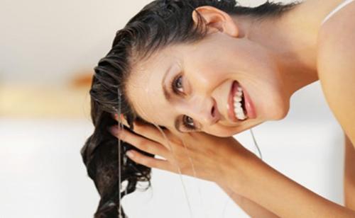 5 lời khuyên vàng cho mái tóc dài bóng mượt - 2