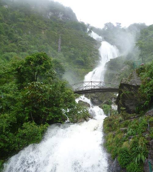 Thám hiểm dọc đường đèo Ô Quy Hồ hùng vĩ - 2