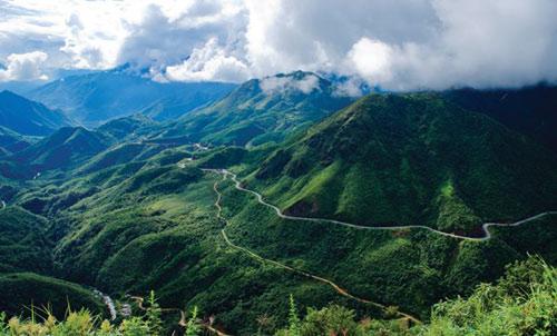 Thám hiểm dọc đường đèo Ô Quy Hồ hùng vĩ - 9