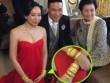 Vợ sao Hồng Kông đeo vàng nặng trĩu trong ngày cưới