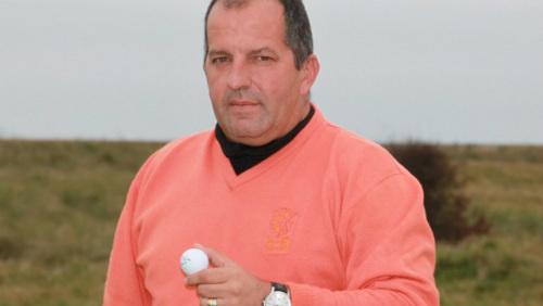 Tay golf nghiệp dư lập siêu kỷ lục đánh một gậy trúng lỗ - 1