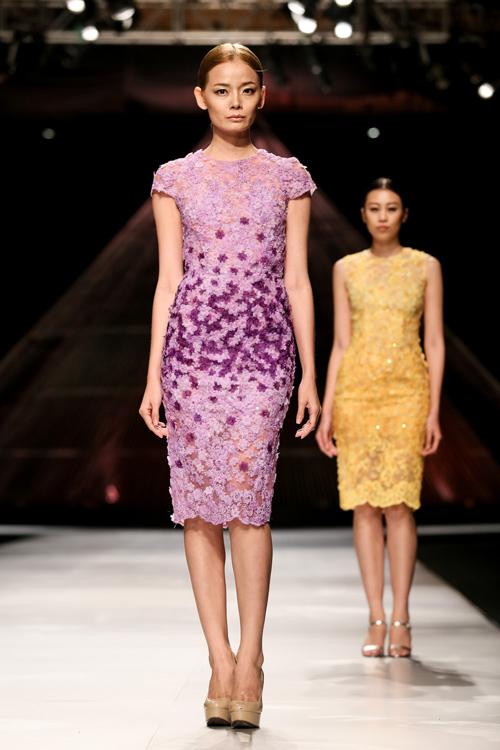 """Minh Triệu mặc váy """"ngàn hoa"""" lạ mắt - 9"""