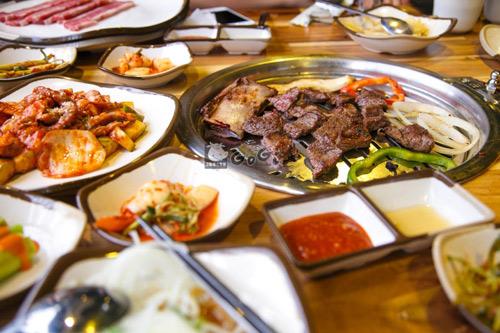 Mẹo thưởng thức thịt nướng Hàn Quốc đúng điệu - 1