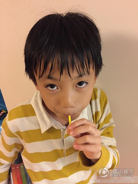 """Con trai Trương Nghệ Mưu giống bố """"như đúc"""" - 1"""