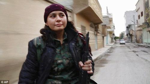 Cha và con gái hội ngộ cảm động trên mặt trận chống IS - 2