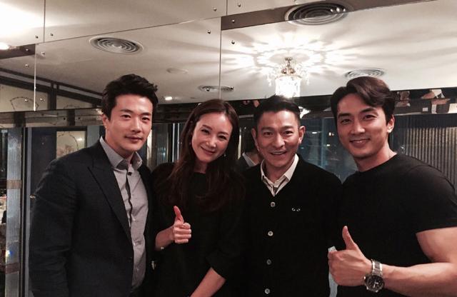 """EXO bị fan Trung Quốc chỉ trích """"vô lễ"""" với Lưu Đức Hoa - 4"""