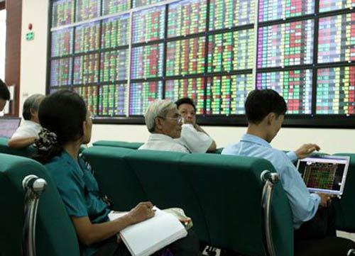 Cổ phiếu ngân hàng đua nhau tăng vọt - 1