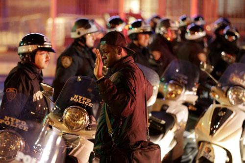 Nước Mỹ lại sôi sục vì vụ cảnh sát kẹp chết người - 5