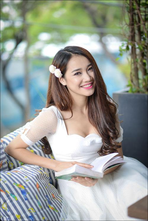 Hot girl Việt cạnh tranh tại giải thưởng cúp Ngôi Sao Xanh - 1