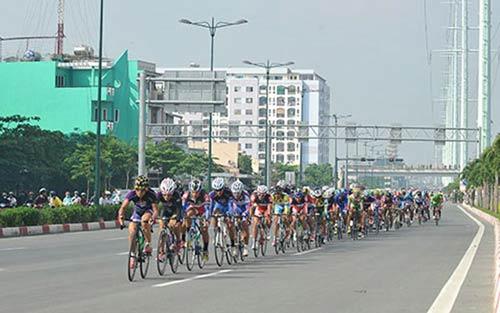 Chặng 3 cuộc đua xe đạp xuyên Việt 2014: Chiến thắng ấn tượng của Trần Văn Quyền - 1