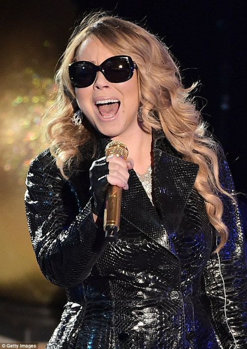 Thất vọng với giọng hát Mariah Carey trước Giáng sinh - 4