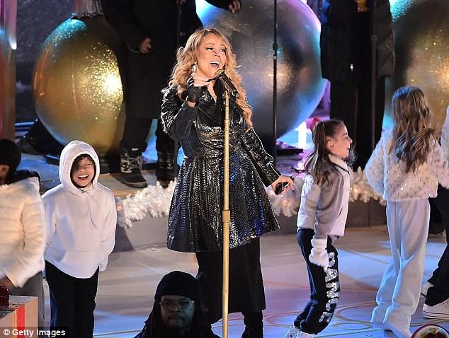 Thất vọng với giọng hát Mariah Carey trước Giáng sinh - 5