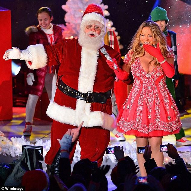 Thất vọng với giọng hát Mariah Carey trước Giáng sinh - 7