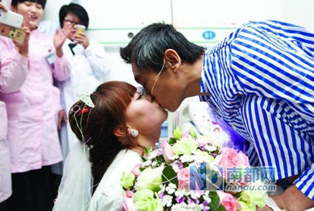 Cô gái quỳ gối cầu hôn bạn trai nghèo ung thư - 5