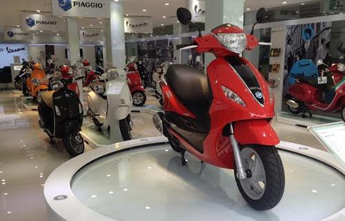 Ra mắt Piaggio Fly hoàn toàn mới và tiết kiệm nhiên liệu - 2