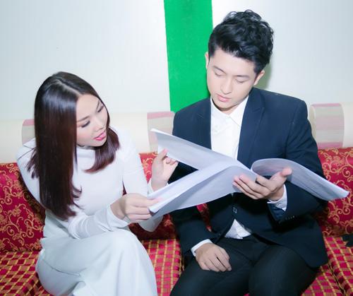 Thanh Hằng mặc áo dài trắng tinh khôi bên Harry Lu - 8