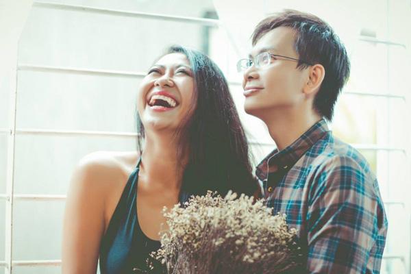 Clip viễn cảnh hôn nhân hài hước của cặp đôi 8X - 1