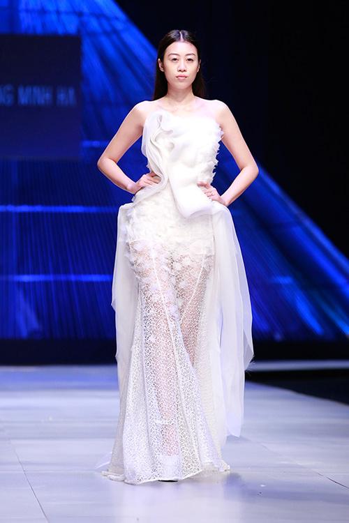 Show diễn 7 phút gây sốc tại tuần lễ thời trang Việt - 19