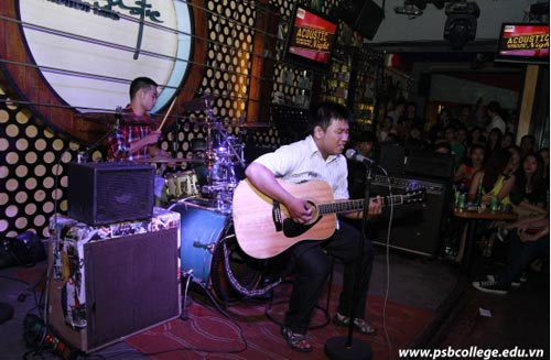 Trường quốc tế PSB tổ chức đêm nhạc Acoustic gây quỹ từ thiện - 1