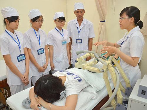 Đào tạo ngành y: Không thể dễ dãi - 1