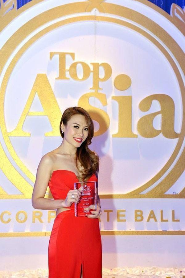 Mỹ Tâm lọt top 10 nữ ca sĩ được ngưỡng mộ nhất châu Á - 1