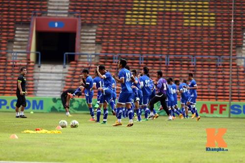 Tập kín ở sân Shah Alam, ĐTVN muốn lọt vào chung kết - 1
