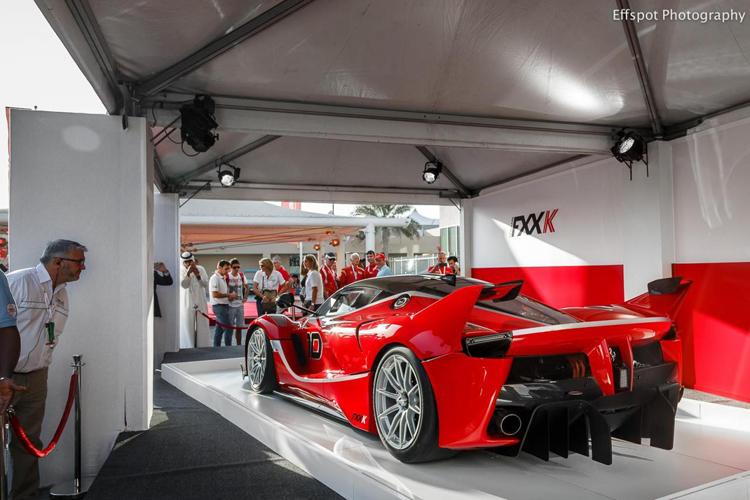 Hãng siêu xe của Ý vừa chính thức trình làng chiếc Ferrari FXX K trước khi ra mắt tại sự kiện Finali Mondiali ở Abu Dhabi.