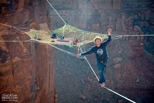 """Rùng mình với """"mạng nhện"""" ở độ cao 120m - 2"""