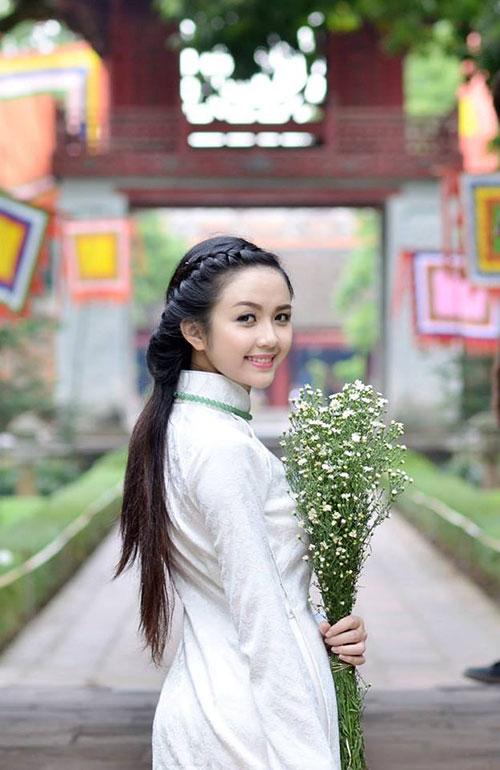 Thiếu nữ xứ Tuyên có gương mặt giống BTV Hoài Anh - 1